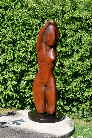 Dancer III by Laurence Broderick at the Saffron Walden Gallery