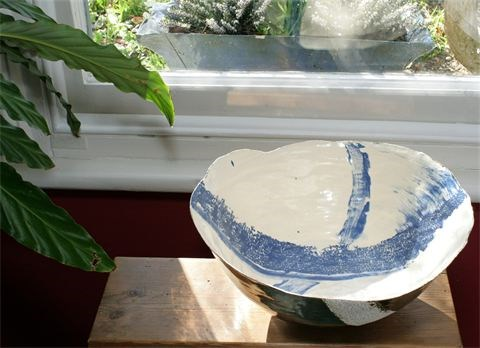 Coiled earthenware bowl by Tracy Ford at the Saffron Walden Gallery